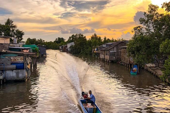 Cuộc sống vùng sông nước Cà Mau